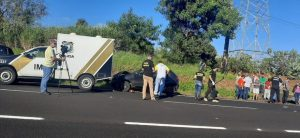 Motorista-acerta-carro-do-IML-que-atendia-acidente-00525981-1-202104070855-md